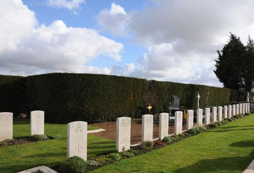 Cimetière militaire Wormhout 2.jpg