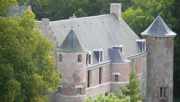 Esquelbecq Castle and its gardens